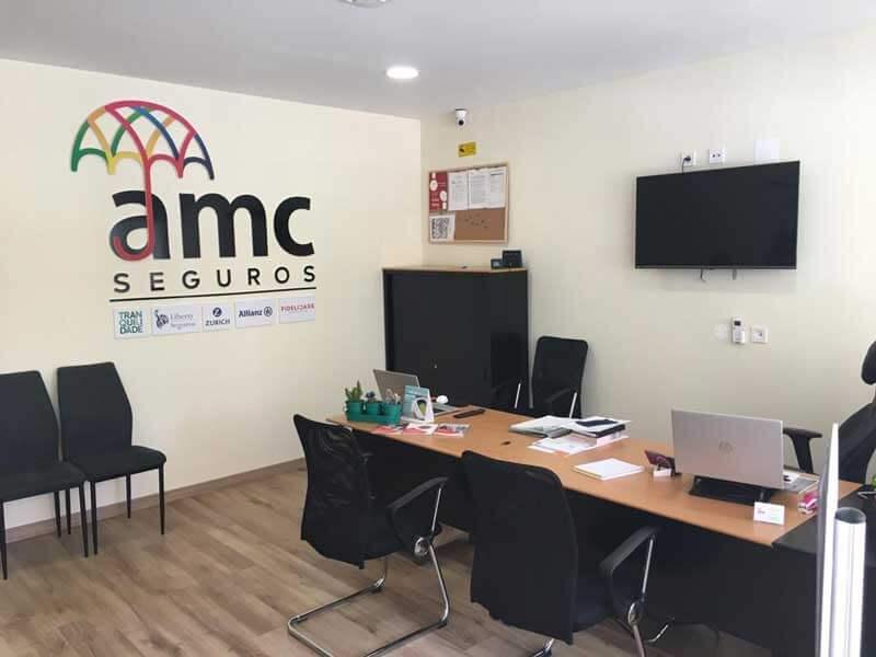 Försäkringsrådgivarens kontor i Algoz